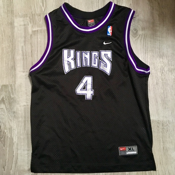 d4b1b62c912 Nike Chris Webber Sacramento Kings Jersey. M 5af49abb2c705d7d39a2f4f1